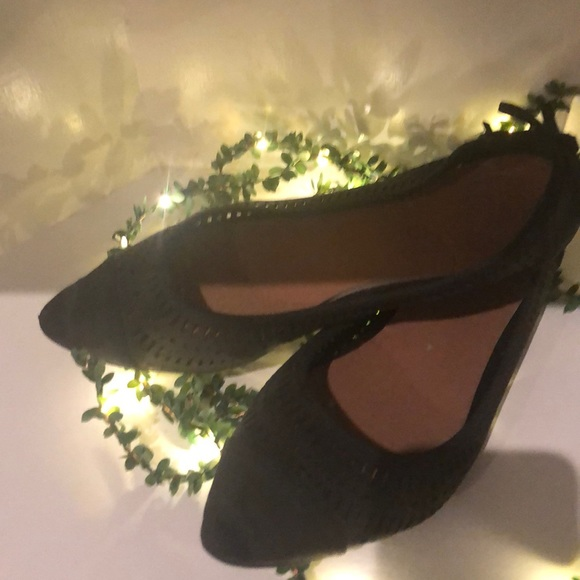 Restricted Shoes - Gray black pointed flat shoes